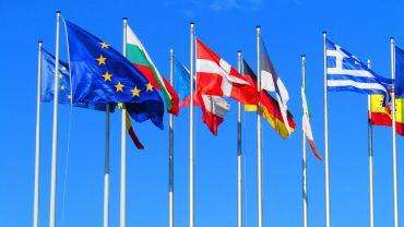 Dla Polaków, nie dla rządu i partii